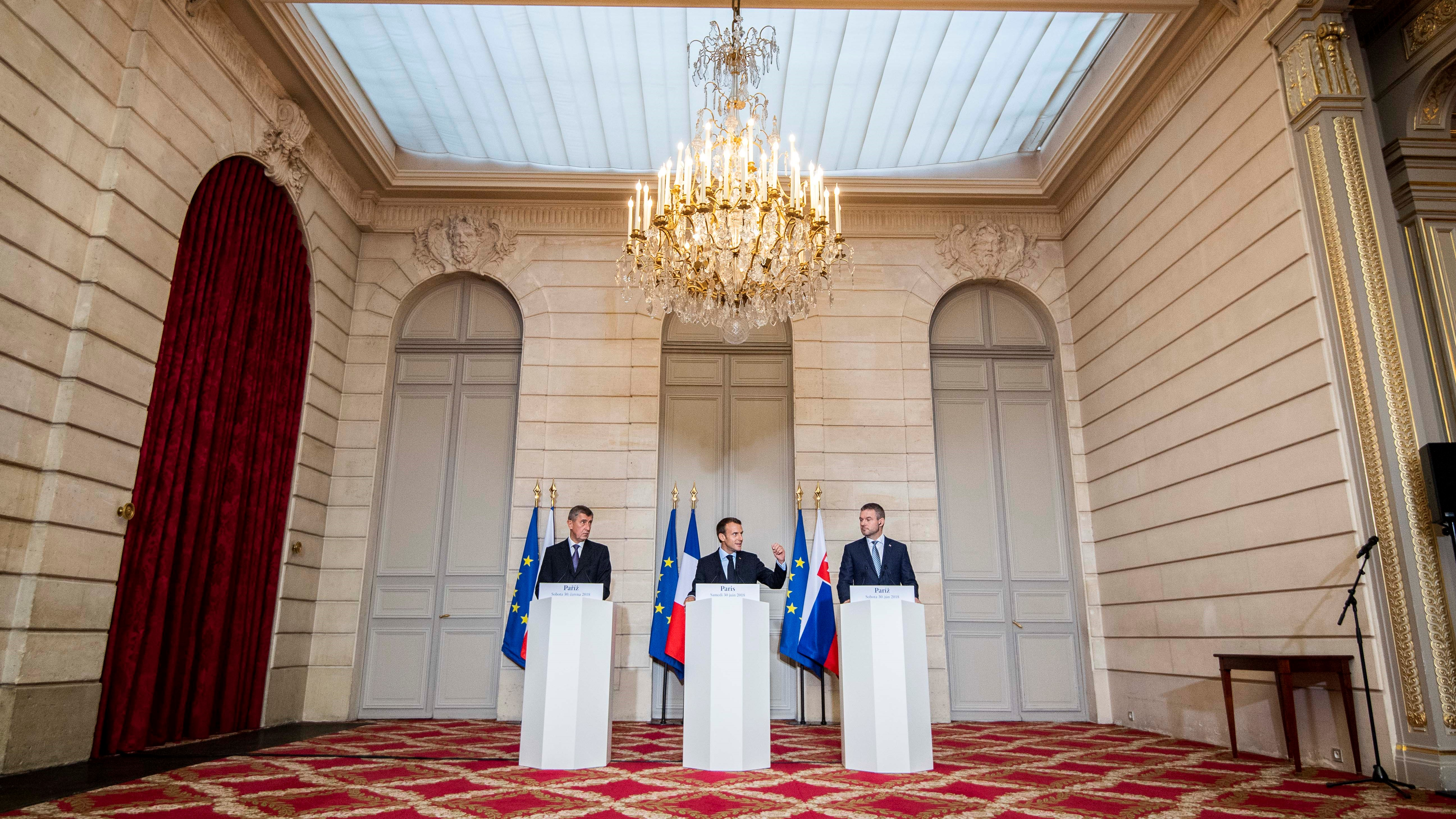 "Macron meeting ""the good boys"" of the V4 in Paris. (TASR/Marko Erd)."